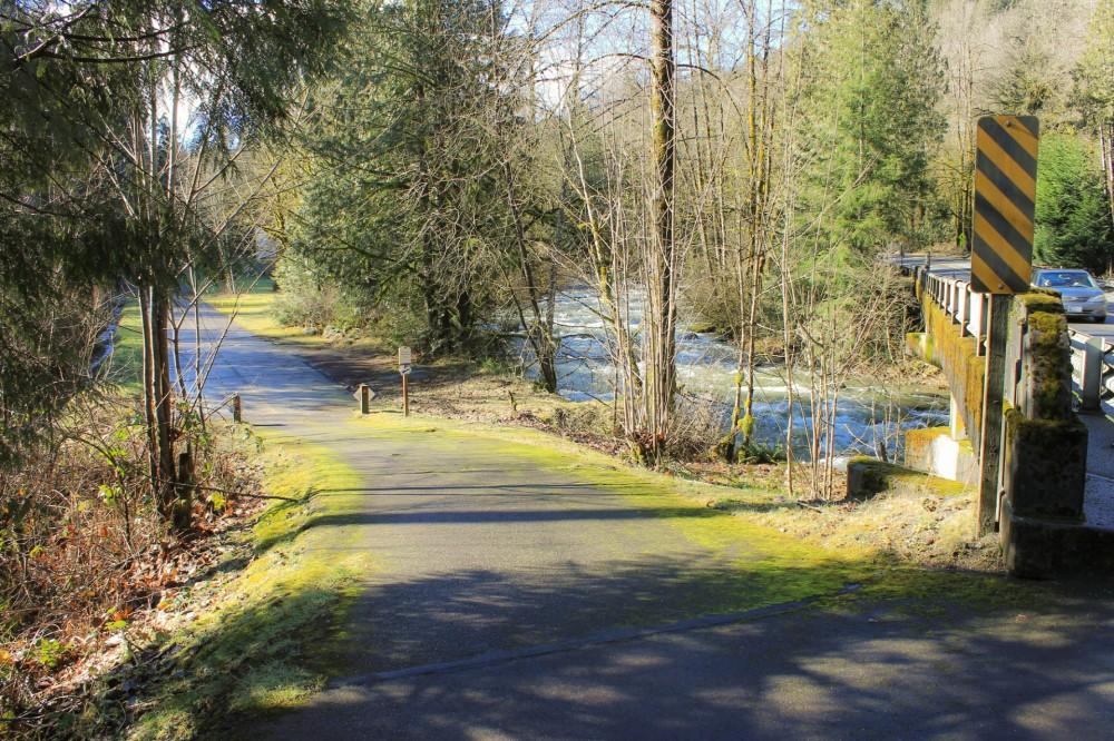 preston-snoqualmie-trail-raging-river
