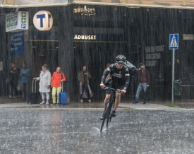 Rainshowers_in_Stockholm_in_July_2015