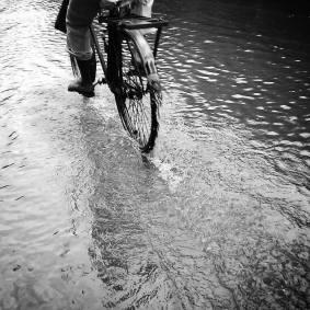 Rainy_Morning_scene_in_Kolkata