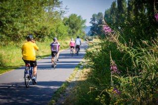 Cedar River Trail cyclists