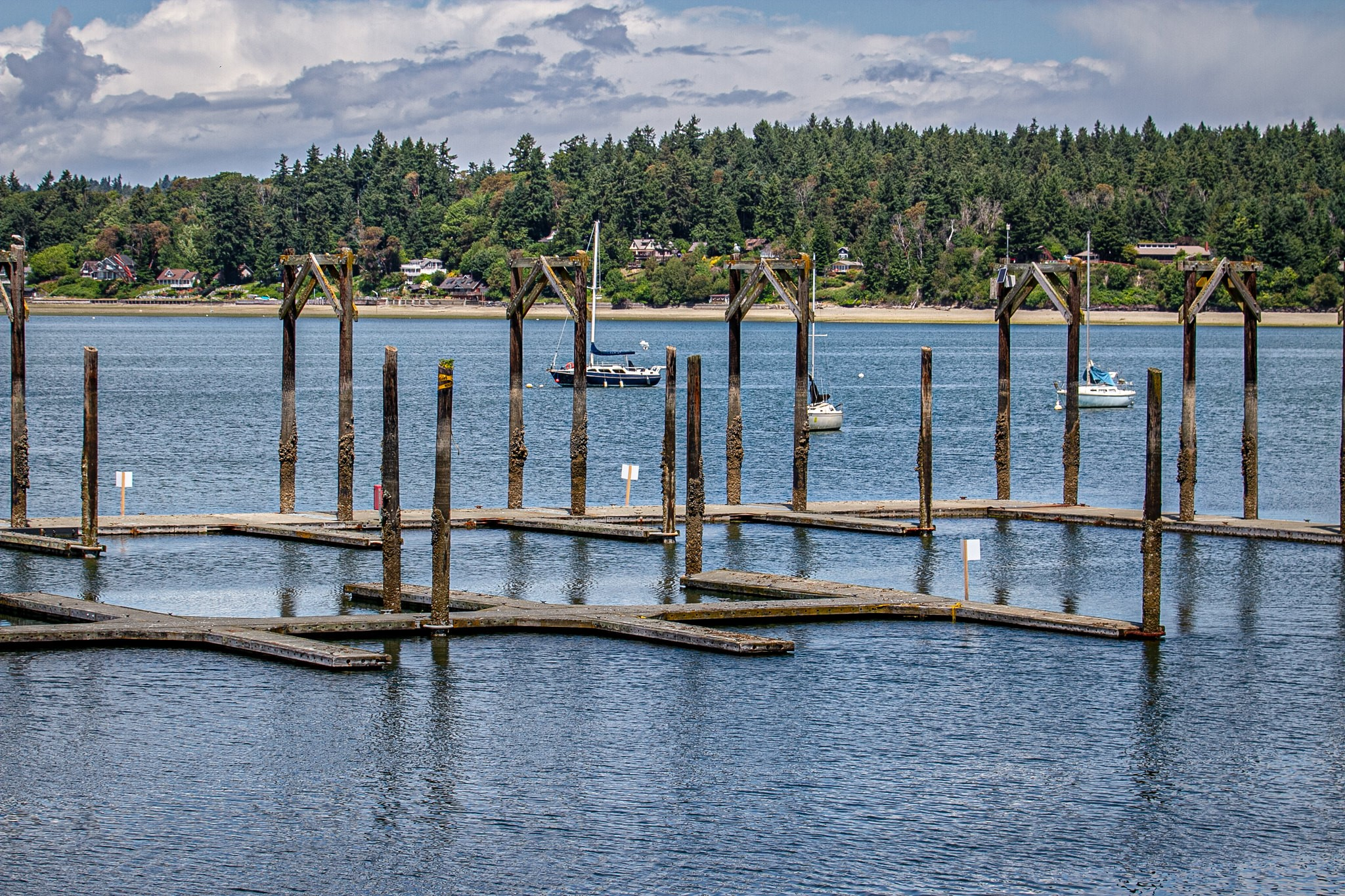 Dockton Park dock finger piers, closed as of March 2019.